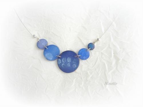 pâte polymère, Fimo, collier bleu, transparente