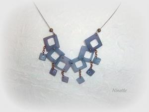 collier, pâte polymère, bleu transparente, encre
